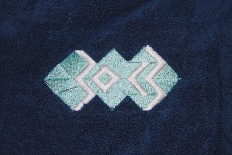 File:Embroidery-towel-font.jpg